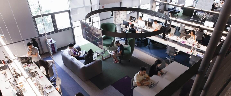 Headquarters de Nu en Brasil: terminales de trabajo