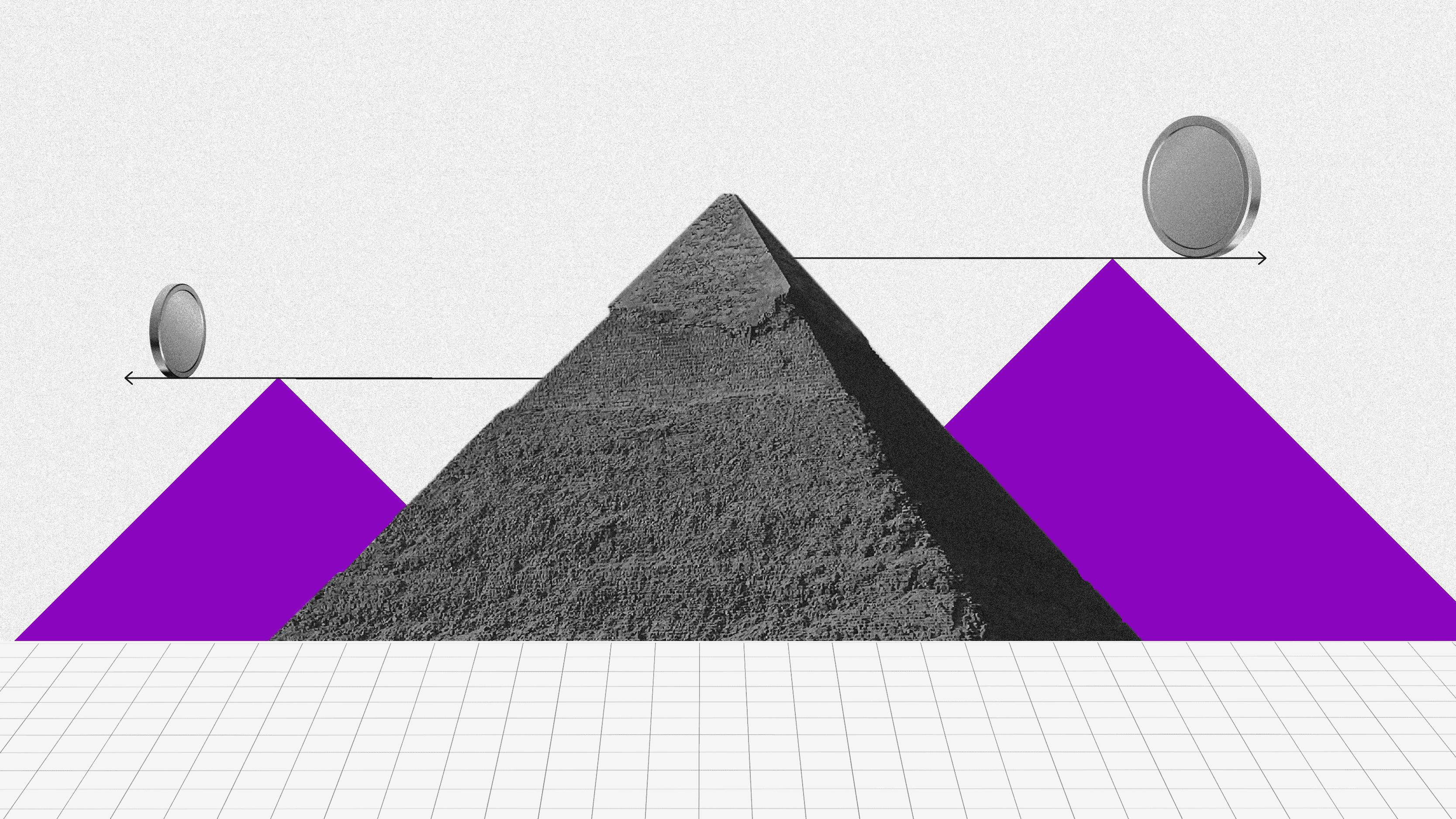 Pirámide financiera. Una pirámide y, ambos lados, dibujos de dos pirámides moradas con flechas en sentido opuesto y, por encima de ellas, dos esferas en equilibrio.
